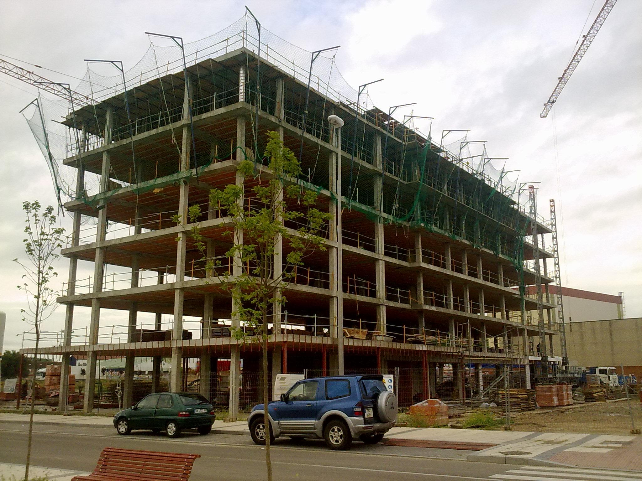 Nuestros servicios escalesa obras y proyectos en valladolid - Precios de estructuras de hormigon ...